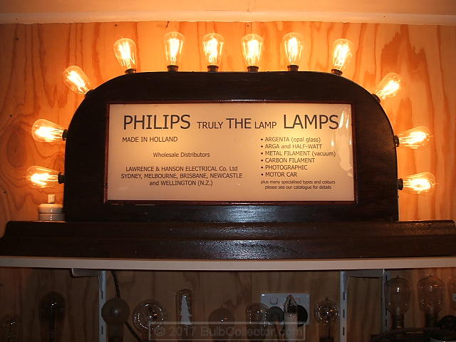 18 - Philips sign alight.JPG