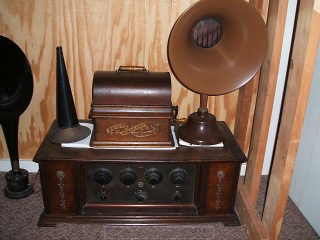 34 - 1927 Pye radio_ BTH speaker_ Edison phonograph.JPG