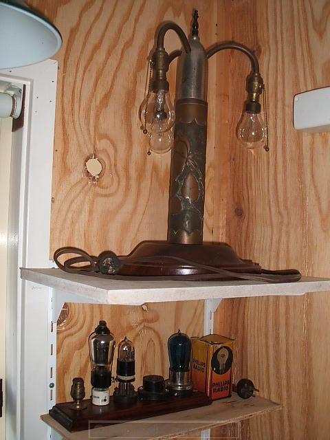 37 - E12 socket table lamp_ new valve additions.JPG