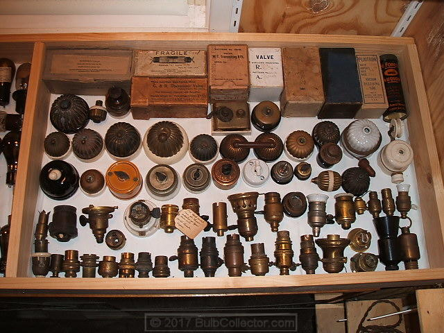 33 - boxed valves and old fittings.JPG